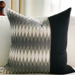 Toss Pillow Swatch : Double Vision